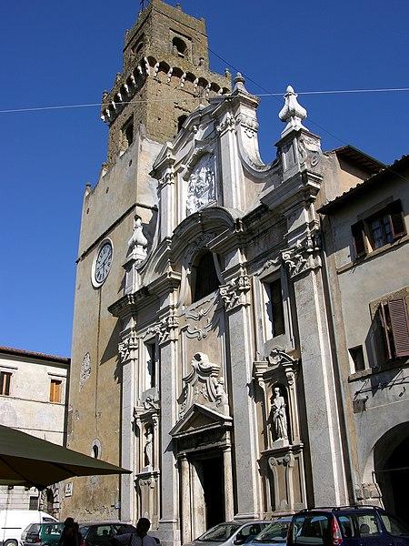 File:Duomo di Pitigliano2.jpg