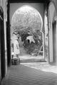 ETH-BIB-Blick in einen Innenhof in Tanger-Nordafrikaflug 1932-LBS MH02-13-0459.tif