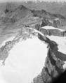 ETH-BIB-Gran Paradiso, La Grivola (l.), Grand Combin (Mitte), Blickrichtung Norden (N)-LBS H1-020632.tif