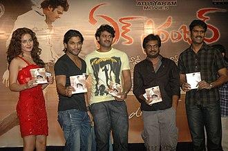Ek Niranjan - (from left) Kangana Ranaut, Allu Arjun, Prabhas, Puri Jagannadh, Adityaram during the film audio release