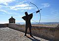 Estàtua d'arquer al castell de santa Bàrbara, Alacant.JPG