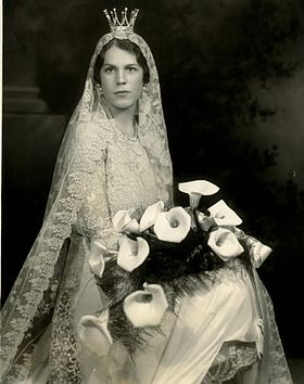 Estelle manville wedding.jpg