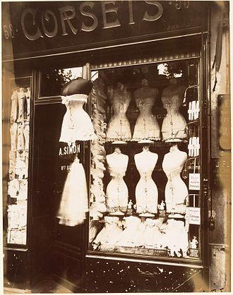 Corset - Eugène Atget, Boulevard de Strasbourg, Corsets, Paris, 1912