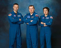 Expedition 62 crew portrait.jpg