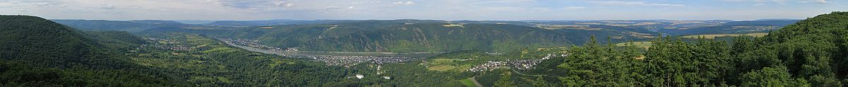 """Panoramic view from the lookout-tower """"Fünfseenblick"""" near Bad Salzig over the UNESCO World Heritage Site Rhine Gorge"""