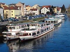 Fahrgastschiffe in Regensburg 03.JPG