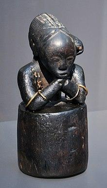 https://upload.wikimedia.org/wikipedia/commons/thumb/f/fa/Fang_Reliquiarfigur_eyima_byeri_Museum_Rietberg.jpg/220px-Fang_Reliquiarfigur_eyima_byeri_Museum_Rietberg.jpg