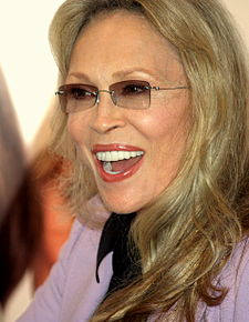 Faye Dunaway at the 2008 Tribeca Film Festival.JPG