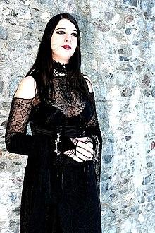 Mistabys, modèle et artiste gothique Suisse.