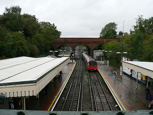 Finchley Central 03