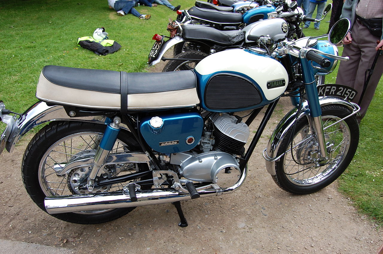 File flickr ronsaunders47 the yamaha yds3 1966 two for Yamaha 350cc motorcycles