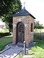 Floyon (Nord, Fr) chapelle, place de la Mairie.jpg