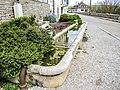 Fontaine-abreuvoir, ancien lavoir. Myon.jpg