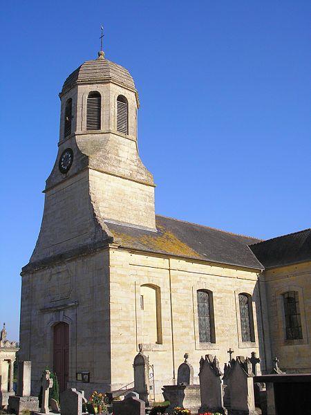 Sainte-Croix-Grand-Tonne (Normandie, France). L'église Sainte-Croix.