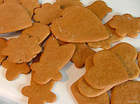 200px-Freshly_baked_gingerbread_-_Christmas_2004