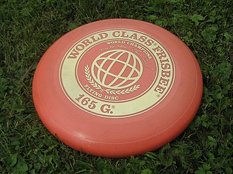 https://upload.wikimedia.org/wikipedia/commons/thumb/f/fa/Frisbee_090719.jpg/330px-Frisbee_090719.jpg