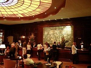 Check-in - Kempinski Hotel Vier Jahreszeiten check-in