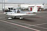 G-UFOE Grob G115 CVT 16-04-15 (16980945998).jpg