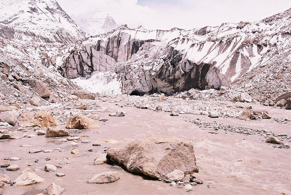 Gaumukh (gangotri glaciar) may 28 2007