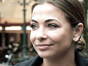 "Georgina Verbaan - Verbaan supporting anti-fur campaign ""Bont Voor Dieren"", The Hague, 2008."