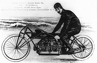 Glenn Curtiss - Glenn Curtiss on his V8 motorcycle in 1907