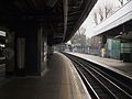 Golders Green stn through northbound look south2.JPG
