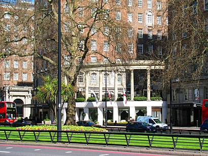 How To Get To Grosvenor House Hotel In Mayfair By Bus