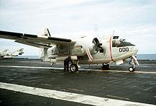 Les Escorteurs d'escadre, origines et refontes 220px-Grumman_C-1_aboard_USS_America