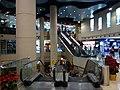 HK TSW 天水圍Tin Shui Wai 天恩路 Tin Yan Road 嘉湖銀座 Kingswood Ginza mall void escalators n visitors Dec 2016 Lnv2 (1).jpg