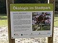 Hamburger-stadtpark-ökologie-information-board-blühwiesen.JPG