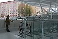Hauptbahnhof Salzburg - Eingang Schallmoos - Fahrradständer 2.JPG