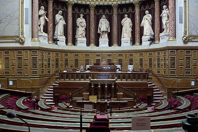 Paradoxal Sénat (2): faiblesselégislative,vétoconstitutionnel