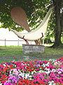 Hendaye (Pyr-Atl., Fr) Sculpture representing pelota.jpg