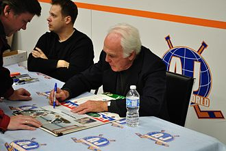 Henri Richard - Henri Richard signing autographs in 2011