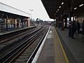 Herne Hill stn northbound platform 2 look south3.JPG