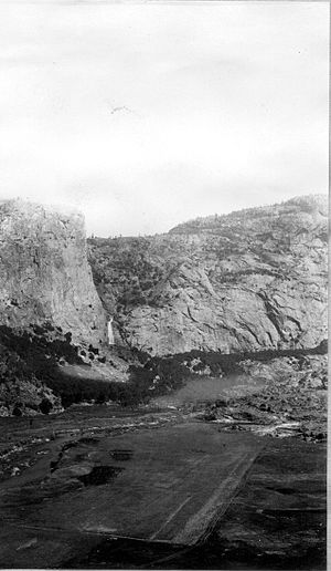 Falls Creek (California) - The mouth of Falls Creek on Hetch Hetchy Valley before flooding