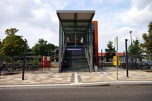 Hoppegarten (Mark) station - Image: Hoppegarten Bahnhof Hoppegarten (Mark) Eingang 8.8.2013