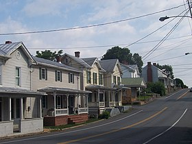 Houses in Mount Crawford, Virginia.jpg