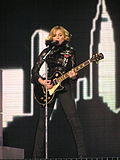 Madonna interprétant I Love New York pendant le Confessions Tour en 2006.
