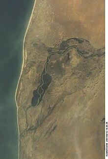Il fiume Senegal segna il confine settentrionale della nazione