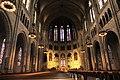 Innenansicht der Kirche mit Apsis und Obergaden - panoramio.jpg