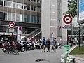 Interdit aux kangourou gare Montparnasse - panoramio.jpg