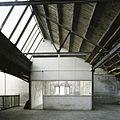 Interieur, overzicht van de buitenzijde van een kantoortje in de fabriekshal op de eerste verdieping - Maastricht - 20385961 - RCE.jpg