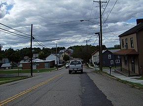 Into Richmond, westbound OH43-OH152, Jefferson County.jpg