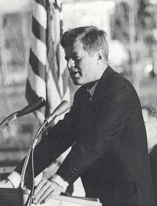 From commons.wikimedia.org: JFK Visit {MID-98362}