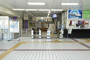 JR Tenri Station ticket gate.jpg