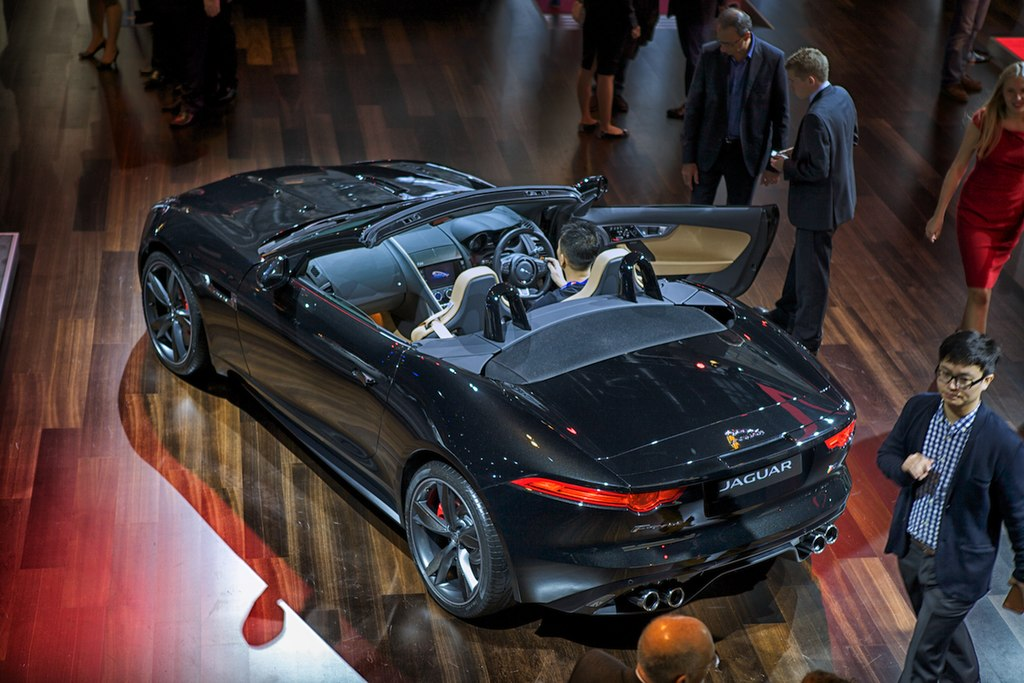 file jaguar f type paris 2012 wikimedia commons. Black Bedroom Furniture Sets. Home Design Ideas