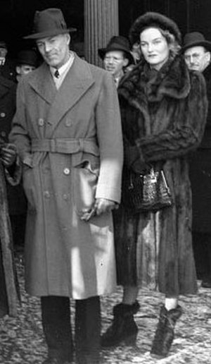 Doris Duke - Duke with then husband James H. R. Cromwell in January 1940