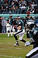 Jeff Garcia warms up to pass.jpg