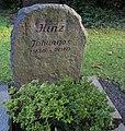 Johannes Hinz - grave.jpg